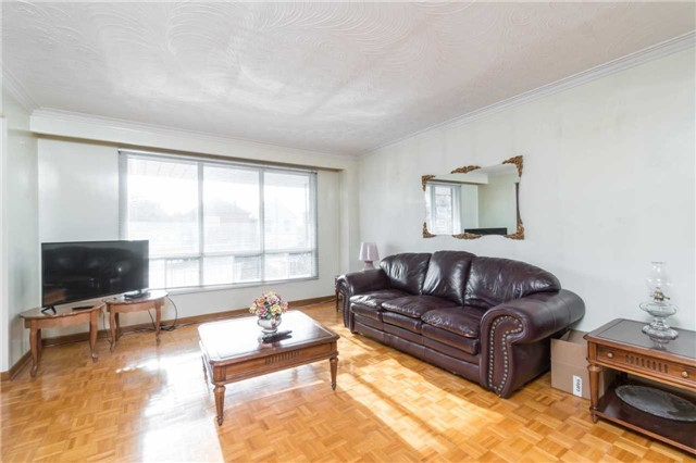 Semi-detached at 2151A Dufferin St, Toronto, Ontario. Image 17