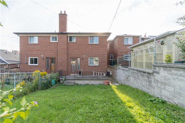 Semi-detached at 2151A Dufferin St, Toronto, Ontario. Image 13