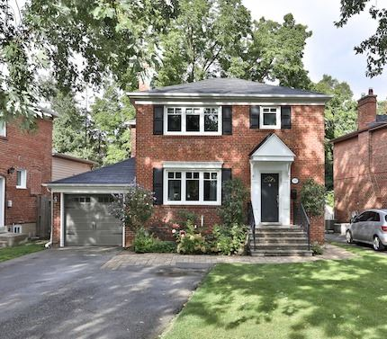 Detached at 195 Armour Blvd, Toronto, Ontario. Image 1