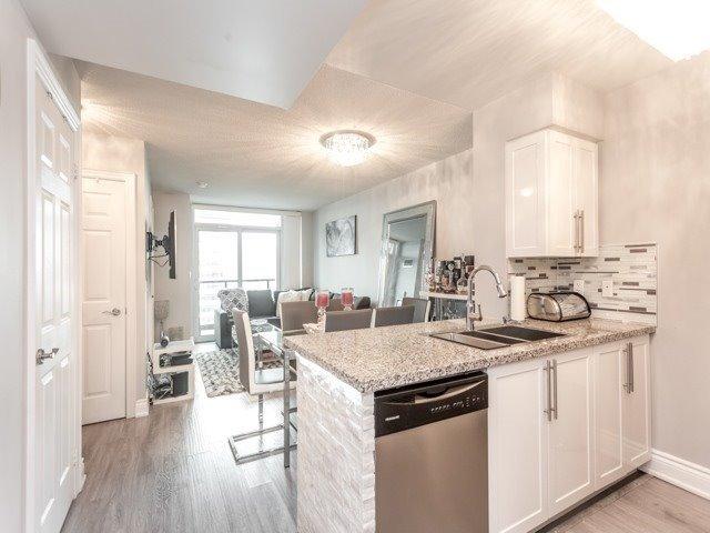 Condo Apartment at 15 Greenview Ave, Unit 2101, Toronto, Ontario. Image 7