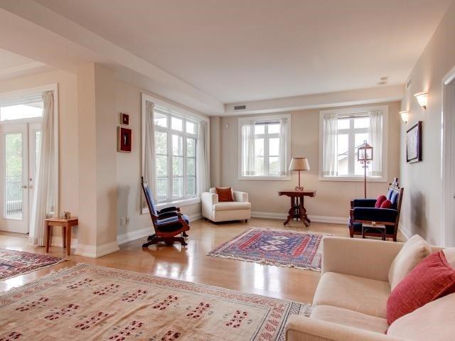 Condo Apartment at 21 Shaftesbury Ave, Unit 401, Toronto, Ontario. Image 14
