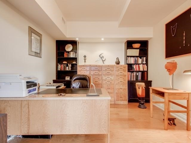 Condo Apartment at 21 Shaftesbury Ave, Unit 401, Toronto, Ontario. Image 20