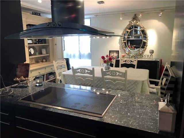 Condo Apartment at 278 Bloor St E, Unit 902, Toronto, Ontario. Image 1