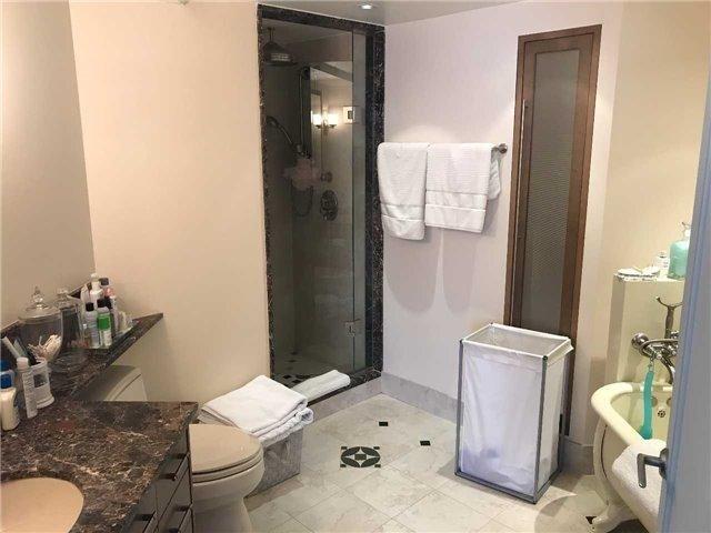 Condo Apartment at 278 Bloor St E, Unit 902, Toronto, Ontario. Image 7