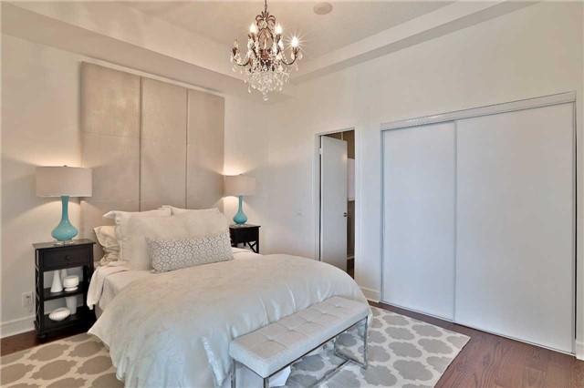 Condo Apartment at 112 George St, Unit 717, Toronto, Ontario. Image 3