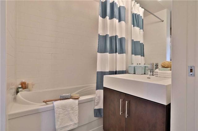Condo Apartment at 112 George St, Unit 717, Toronto, Ontario. Image 5
