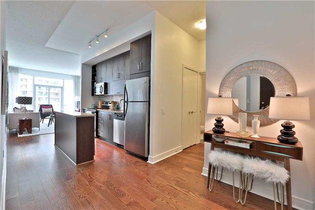 Condo Apartment at 112 George St, Unit 717, Toronto, Ontario. Image 7