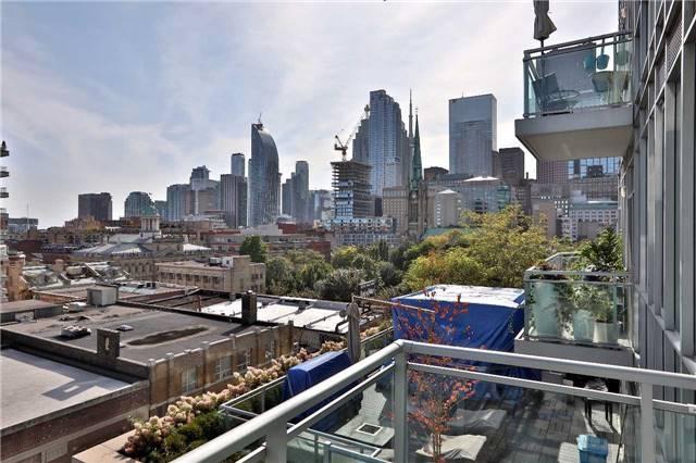 Condo Apartment at 112 George St, Unit 717, Toronto, Ontario. Image 9