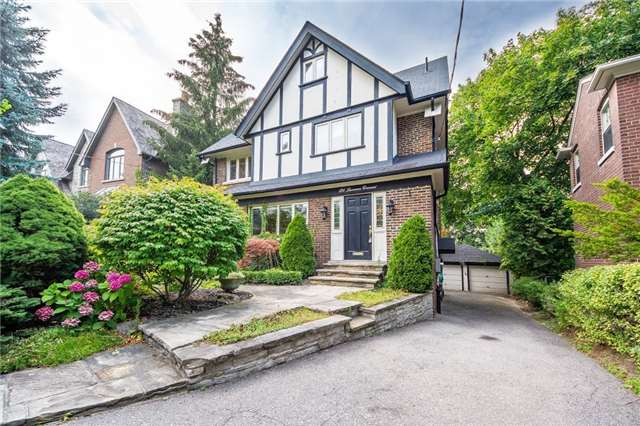 Detached at 124 Lawrence Cres, Toronto, Ontario. Image 1