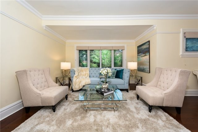 Detached at 124 Lawrence Cres, Toronto, Ontario. Image 16