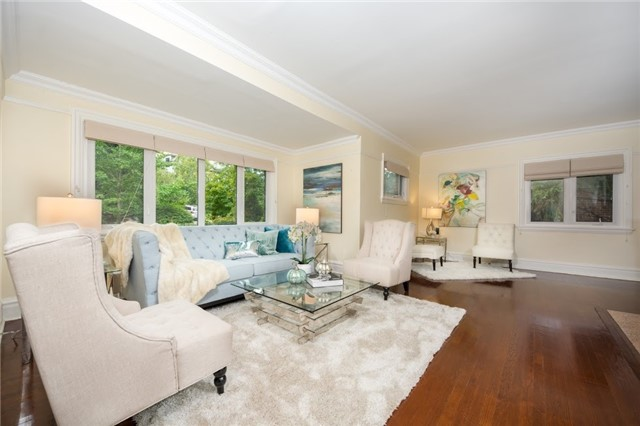 Detached at 124 Lawrence Cres, Toronto, Ontario. Image 17