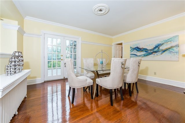Detached at 124 Lawrence Cres, Toronto, Ontario. Image 19