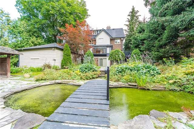 Detached at 124 Lawrence Cres, Toronto, Ontario. Image 9