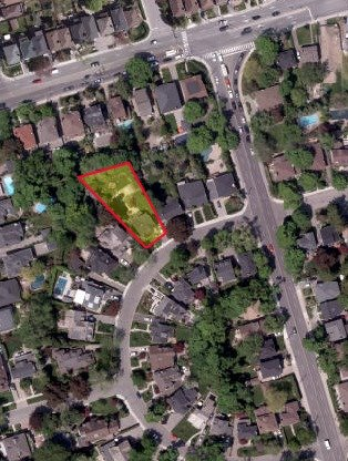 Detached at 124 Lawrence Cres, Toronto, Ontario. Image 13