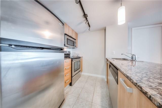 Condo Apartment at 38 Grenville St, Unit 2001, Toronto, Ontario. Image 11