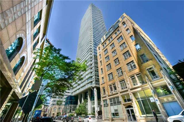 Condo Apartment at 38 Grenville St, Unit 2001, Toronto, Ontario. Image 8