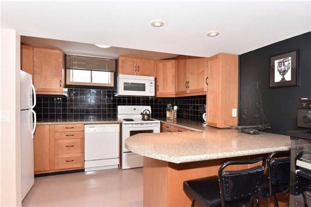 Detached at 93 Wigmore Dr, Toronto, Ontario. Image 5