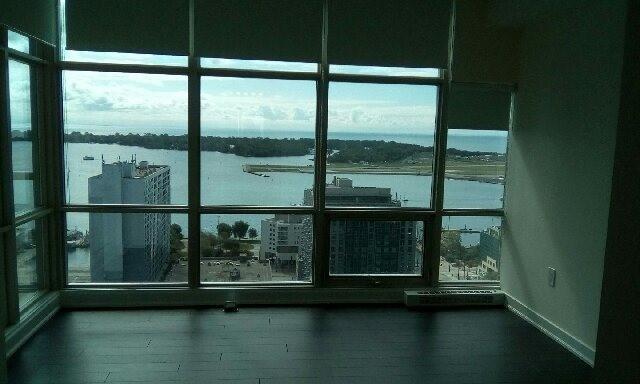 Condo Apartment at 10 Navy Wharf Crt, Unit 3009, Toronto, Ontario. Image 14