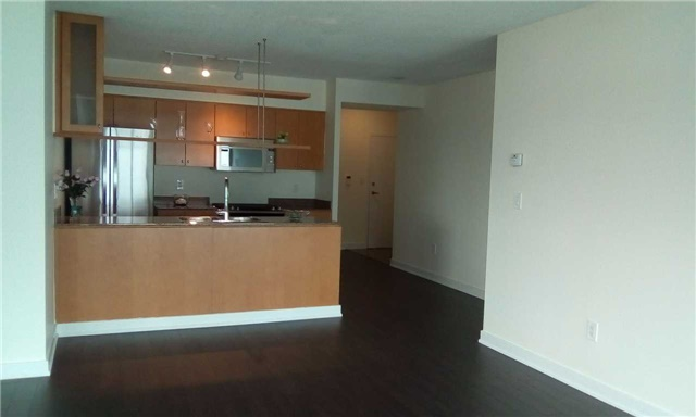 Condo Apartment at 10 Navy Wharf Crt, Unit 3009, Toronto, Ontario. Image 16