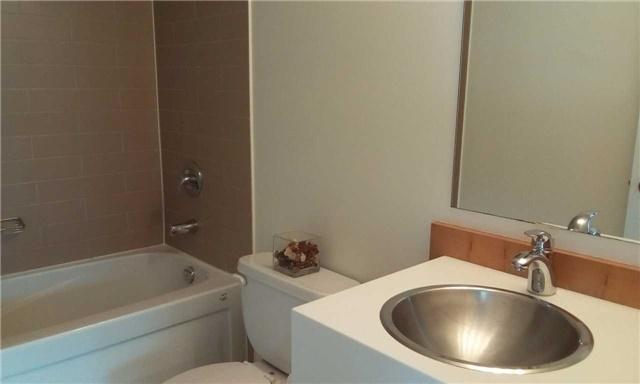 Condo Apartment at 10 Navy Wharf Crt, Unit 3009, Toronto, Ontario. Image 3