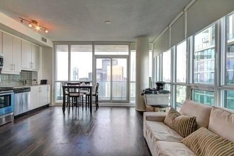 Condo Apartment at 33 Bay St, Unit 4604, Toronto, Ontario. Image 10