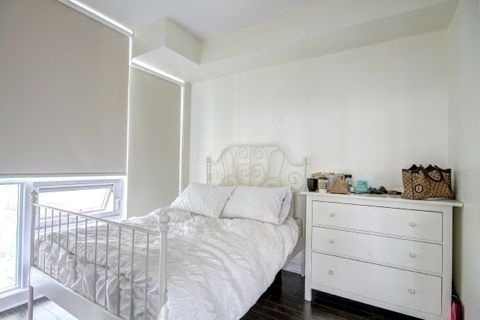 Condo Apartment at 33 Bay St, Unit 4604, Toronto, Ontario. Image 12