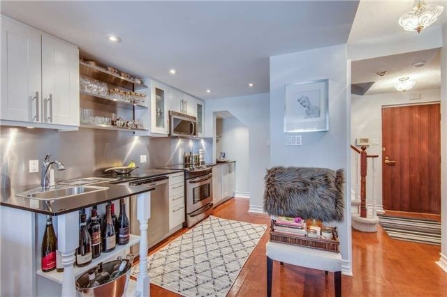 Condo Apartment at 88 Charles St E, Unit 702, Toronto, Ontario. Image 19