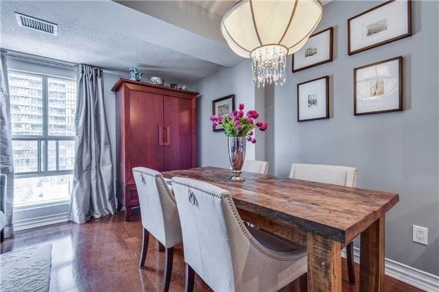 Condo Apartment at 88 Charles St E, Unit 702, Toronto, Ontario. Image 5