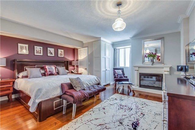 Condo Apartment at 88 Charles St E, Unit 702, Toronto, Ontario. Image 9