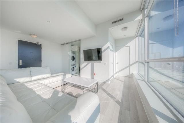 Condo Apartment at 290 Adelaide St W, Unit 4104, Toronto, Ontario. Image 14