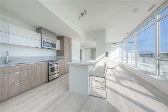 Condo Apartment at 290 Adelaide St W, Unit 4104, Toronto, Ontario. Image 18