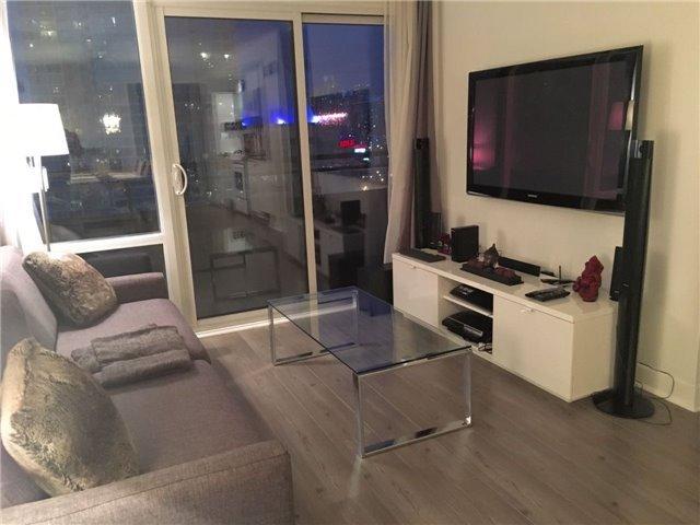 Condo Apartment at 4K Spadina Ave, Unit 1608, Toronto, Ontario. Image 18