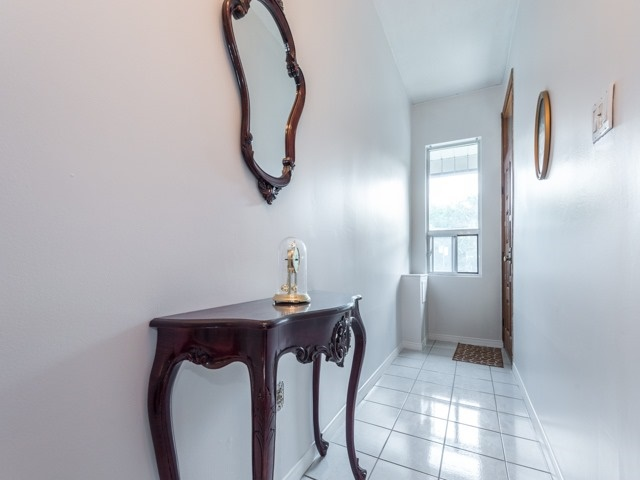 Semi-detached at 190 Bellwoods Ave, Toronto, Ontario. Image 13