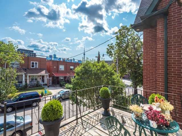 Semi-detached at 190 Bellwoods Ave, Toronto, Ontario. Image 8