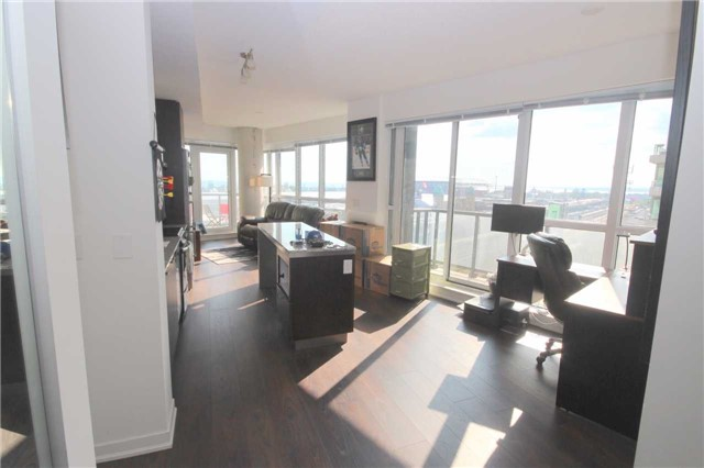 Condo Apartment at 51 East Liberty St, Unit 913, Toronto, Ontario. Image 8