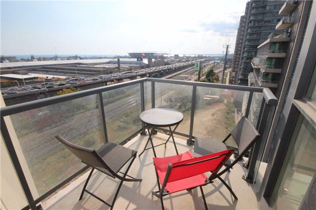 Condo Apartment at 51 East Liberty St, Unit 913, Toronto, Ontario. Image 11