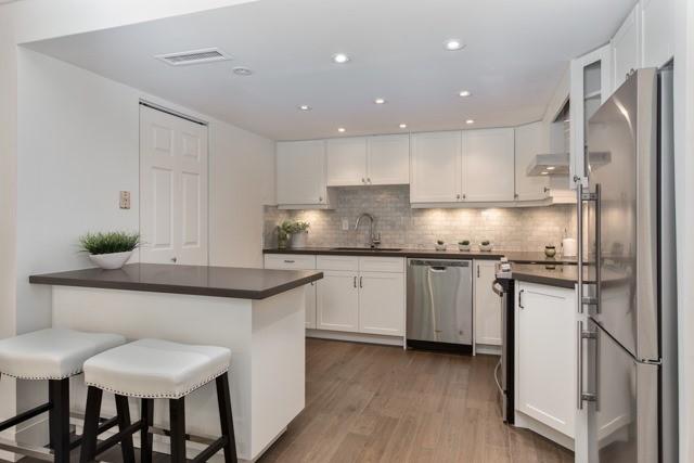 Condo Apartment at 245 The Donway W, Unit 102, Toronto, Ontario. Image 17
