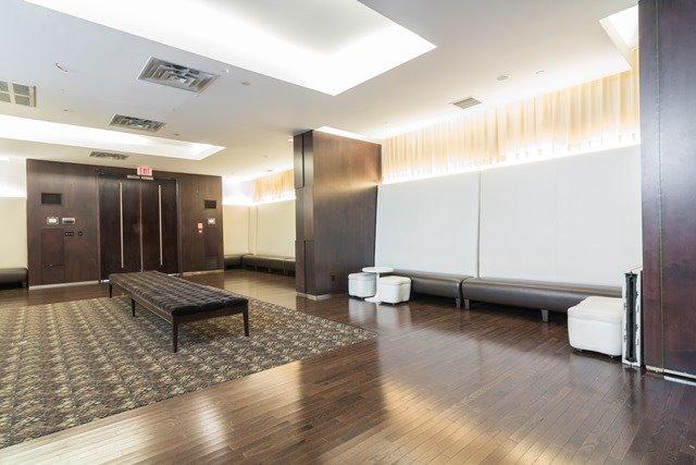 Condo Apartment at 250 Wellington St W, Unit 439, Toronto, Ontario. Image 11