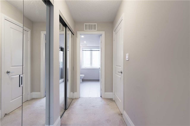 Condo Townhouse at 5 Oakburn Cres, Unit 4, Toronto, Ontario. Image 6