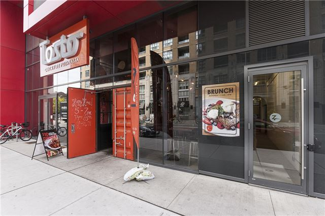 Condo Apartment at 435 Richmond St, Unit 901, Toronto, Ontario. Image 12