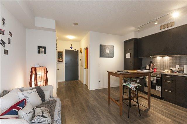 Condo Apartment at 435 Richmond St, Unit 901, Toronto, Ontario. Image 18