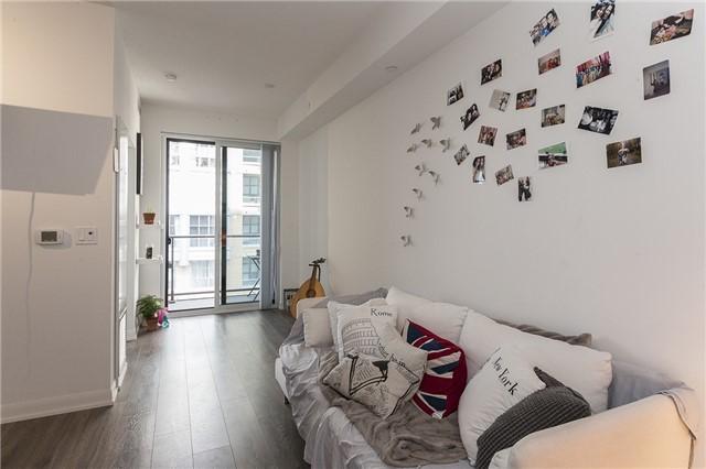 Condo Apartment at 435 Richmond St, Unit 901, Toronto, Ontario. Image 3