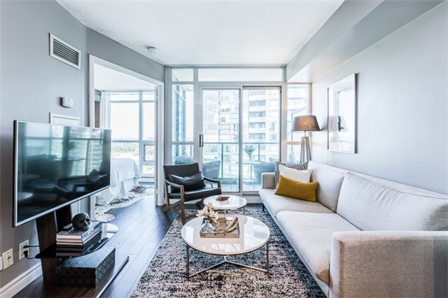 Condo Apartment at 600 Fleet St, Unit 2211, Toronto, Ontario. Image 14