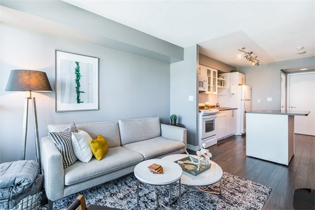 Condo Apartment at 600 Fleet St, Unit 2211, Toronto, Ontario. Image 15