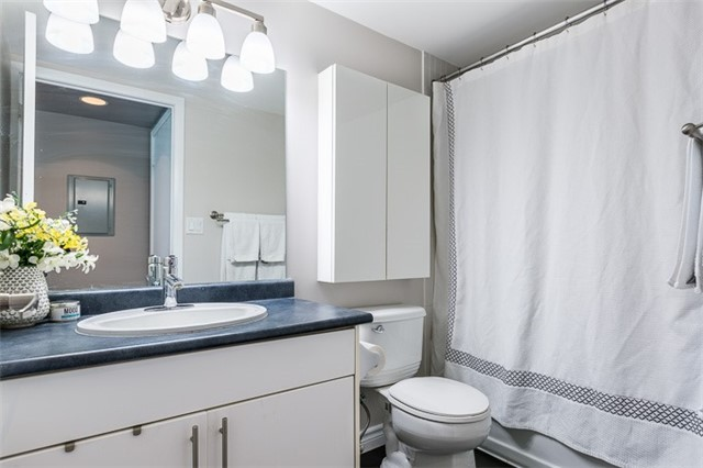 Condo Apartment at 600 Fleet St, Unit 2211, Toronto, Ontario. Image 5