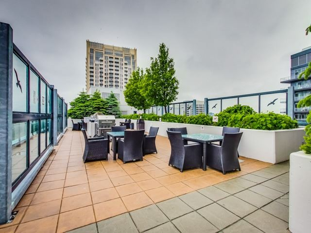 Condo Apartment at 600 Fleet St, Unit 2211, Toronto, Ontario. Image 10