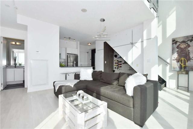 Condo Apartment at 150 East Liberty St, Unit 2012, Toronto, Ontario. Image 15