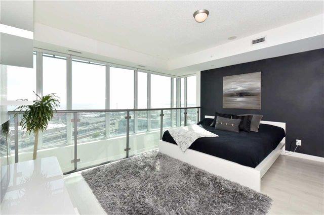 Condo Apartment at 150 East Liberty St, Unit 2012, Toronto, Ontario. Image 20
