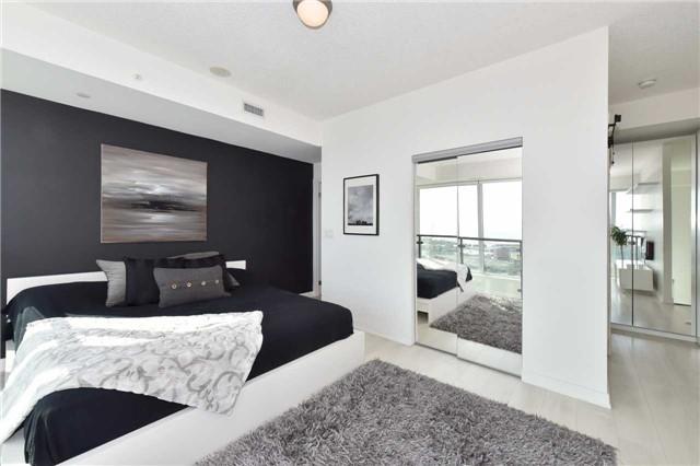 Condo Apartment at 150 East Liberty St, Unit 2012, Toronto, Ontario. Image 3