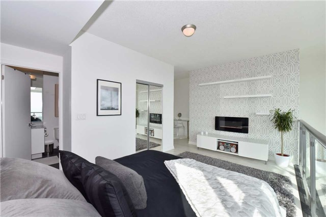 Condo Apartment at 150 East Liberty St, Unit 2012, Toronto, Ontario. Image 4